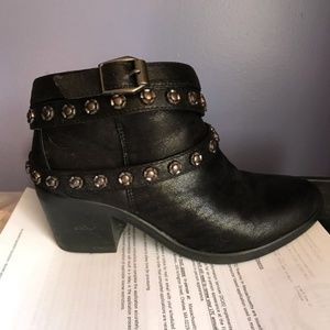Carlos Santana Ankle Boots (Charlie) size 8M